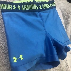 Under Armor woman's booty workout shorts